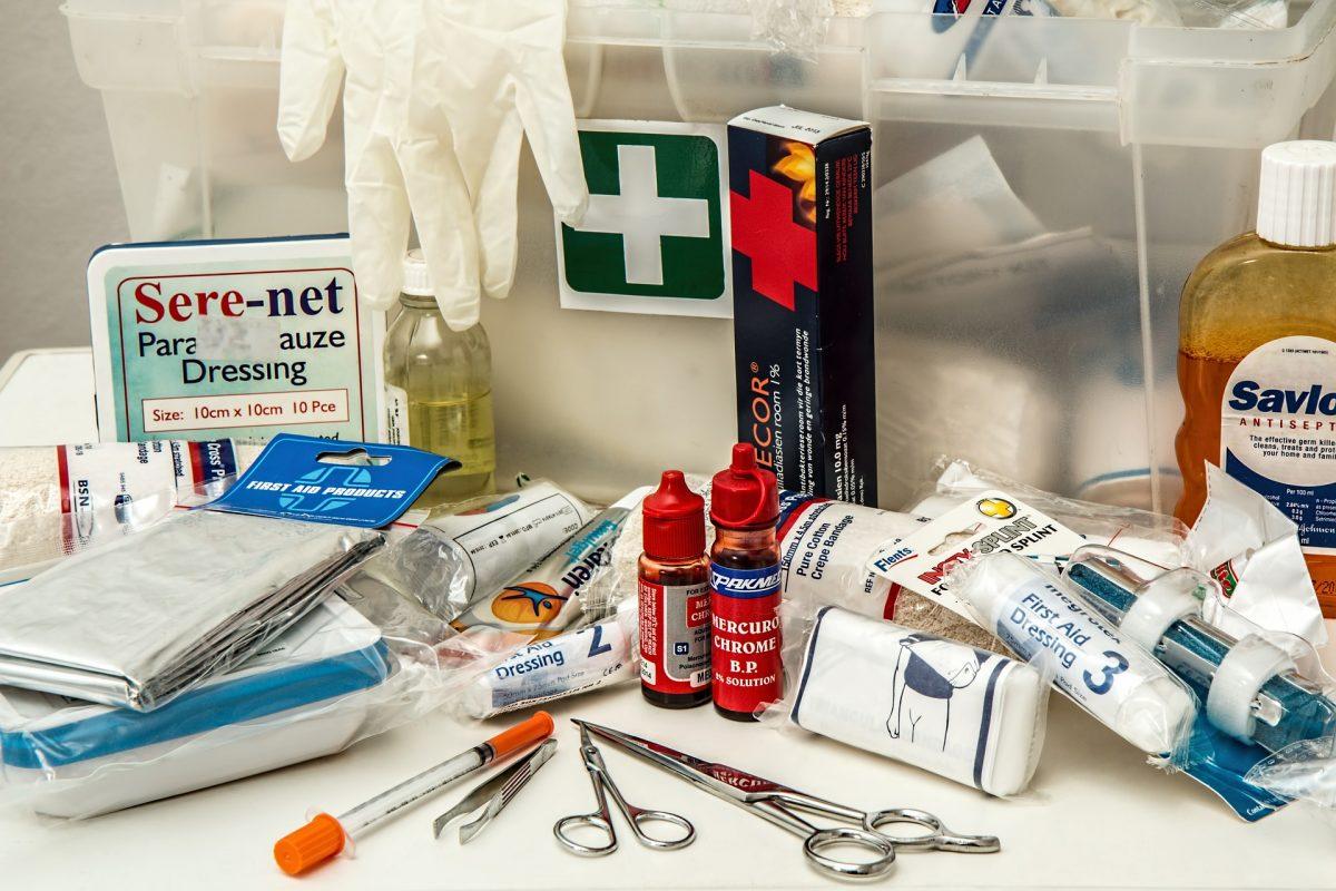 first-aid-908591_1920-1200x800.jpg